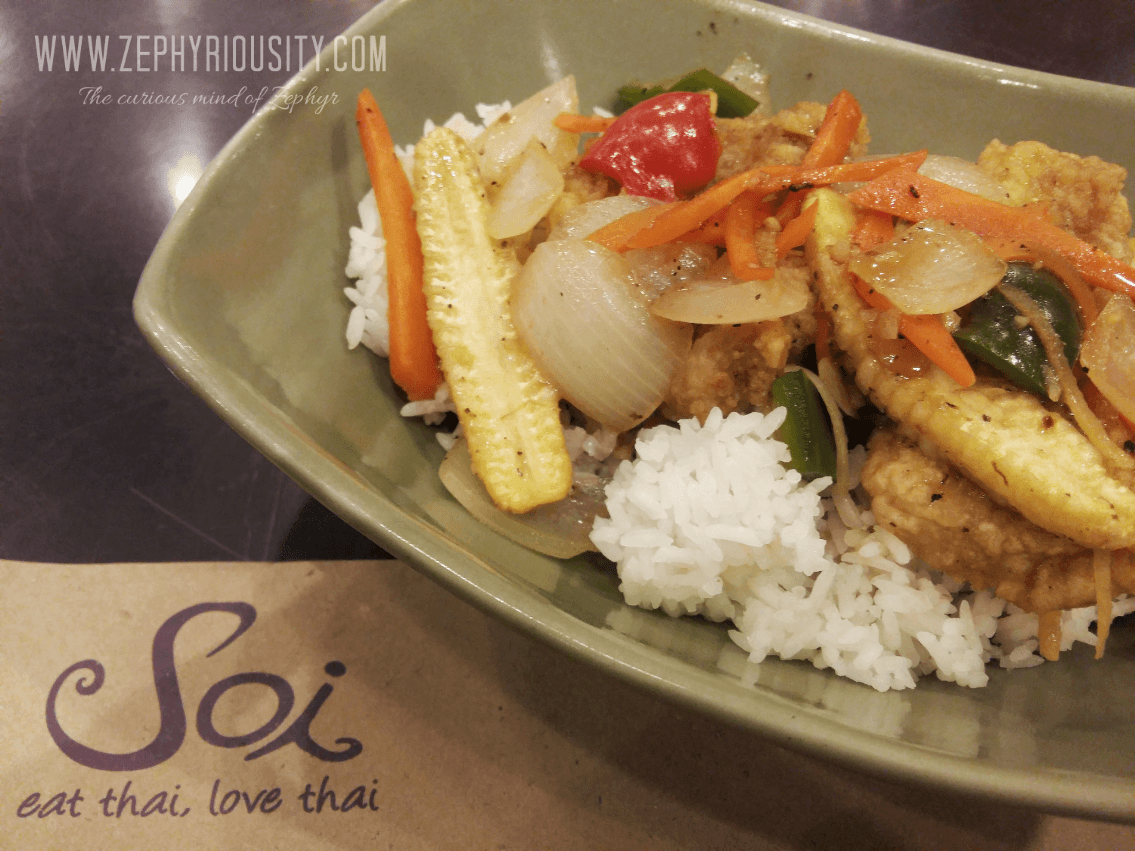 Fish Fillet in Black Pepper Sauce Topping at Soi